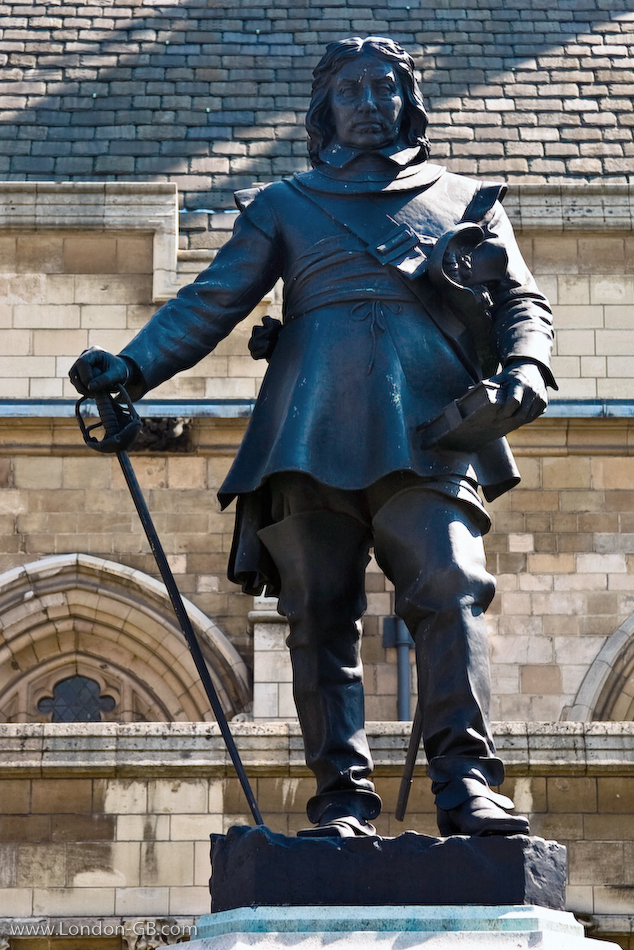 Oliver Cromwell statue outside the Houses of Paliament