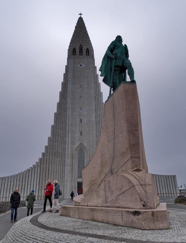 Explorer Leif Ericson and the Hallgrímskirkja, Reykjavik, Iceland