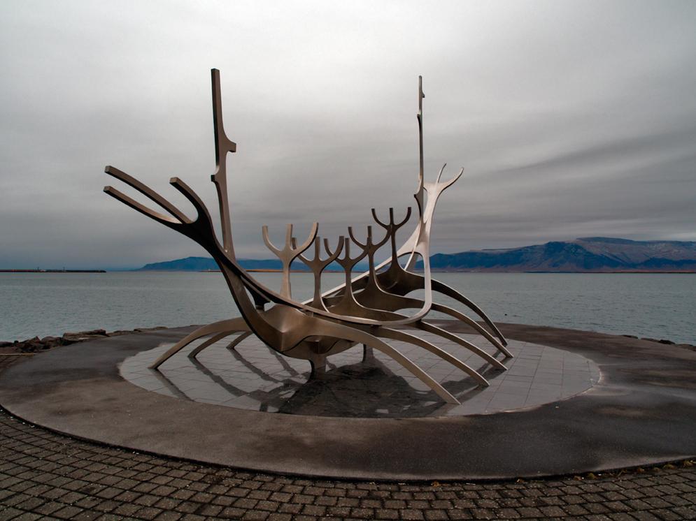 Sun Voyager sculpture by Jón Gunnar Árnason overlooking Reykjavik bay, Iceland